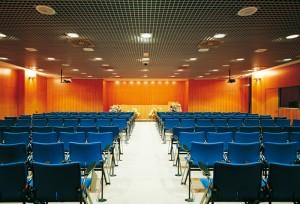 Una sala conferenze acusticamente trattata