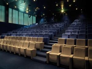 Una sala cinema trattato acusticamente
